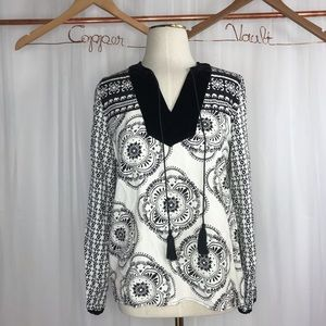 💛Crown and Ivy Elephant tunic Size XS